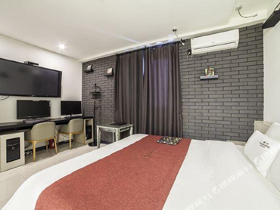 釜山俱樂部酒店西面店(The Club Hotel Seomyun Busan)高級大床房