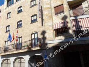 樂貝提酒店(Le Petit Hotel)