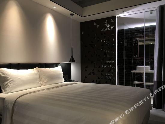台北德立莊酒店-昆明館(Hotel Papa Whale)舒適大床房(無窗)