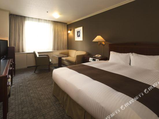 札幌格蘭大酒店(Sapporo Grand Hotel)園景豪華大床房(主樓行政酒廊)
