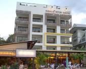 納瓦萊河畔度假酒店