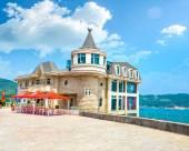 威海藍灣城堡酒店(原戴夢德城堡休閒會館)
