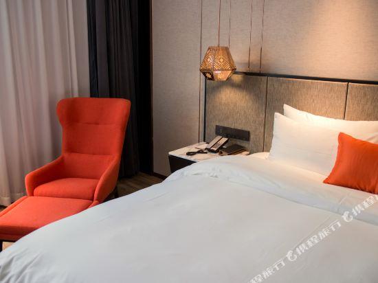 和頤至尊酒店(上海南京路步行街店)(Yitel Premium (Shanghai Nanjing Road Pedestrian Street))至尊高級大床房