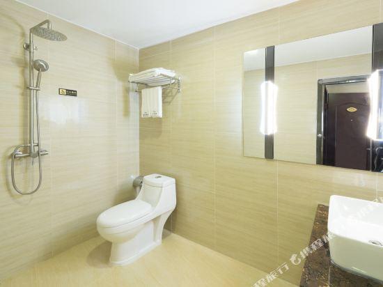 金域酒店(珠海拱北口岸步行街店)(Jin Yu Hotel (Zhuhai Gongbei Port Pedestrian Street))豪華大床房