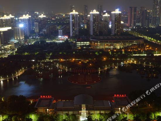 ZMAX潮漫酒店(佛山千燈湖店)(Zmax Hotel (Foshan Qiandeng Lake))眺望遠景