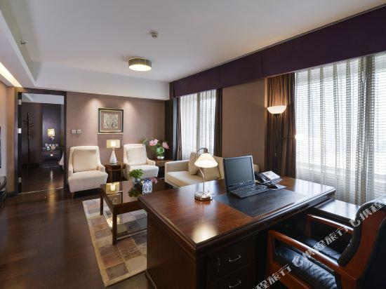北京長白山國際酒店(Changbaishan International Hotel)商務套間