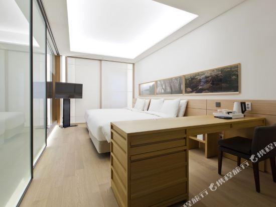 首爾明洞喜普樂吉酒店(Sotetsu Hotels The SPLAISIR Seoul Myeongdong)行政扁柏家庭雙床房