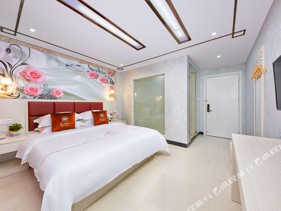 維也納斯酒店·精選(廣州新白雲國際機場店)(Wei Ye Na Si & Hotel (Guangzhou New Baiyun International Airport))精選大床房