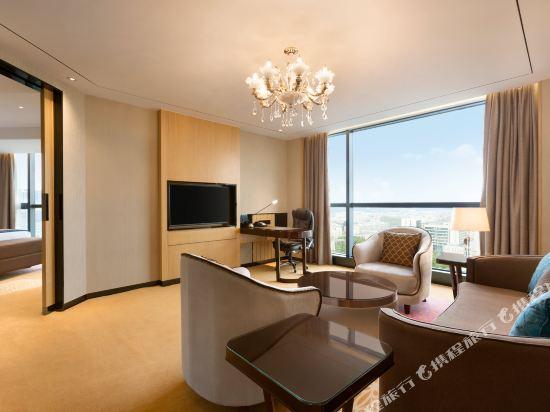 佛山南海華美達酒店(Nanhai Ramada Hotel)豪華套房