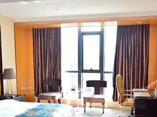 佛山甜果世界酒店(Sweet World Hotel)雲景複式套房