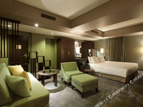 東京汐留皇家花園酒店(The Royal Park Hotel Tokyo Shiodome)精緻特大號床套房_Poltrona Frau_ - 由IDC OTSUKA呈現