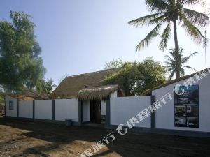 龍目島黑與白度假小屋(Black and White Cottages Lombok)