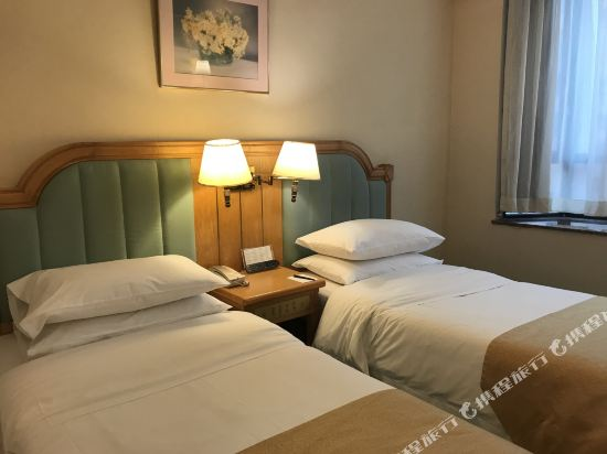 香港粵華酒店(The South China Hotel)標準雙床客房