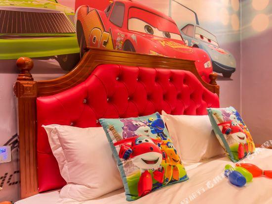 鮮住精品主題酒店(廣州野生動物園店)(原大石地鐵站店)(Xianzhu Boutique Theme Hotel (Guangzhou Wildlife Zoo))麥昆汽車大床房