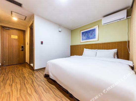 東大門域多利酒店(Victoria Hotel Dongdaemun)豪華大床房