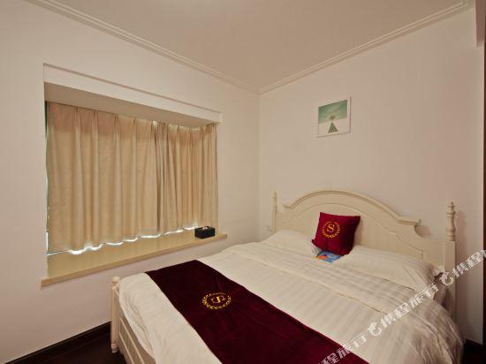 泰萊尚寓度假公寓(珠海海洋王國口岸店)(Tailai Shangyu Holiday Apartment (Zhuhai Ocean Kingdom Port))舒適雙大床三房套房