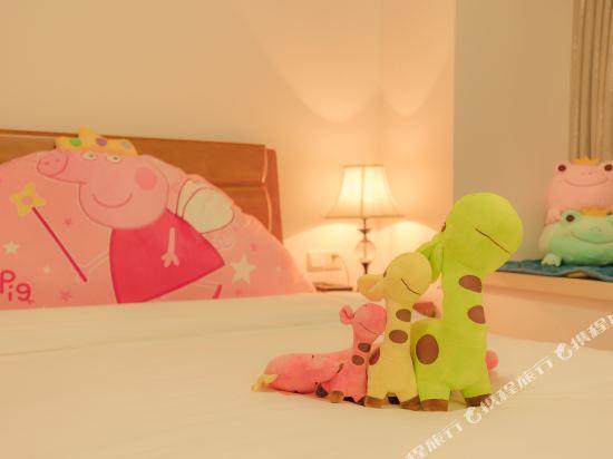 朵雅精品度假公寓(珠海橫琴口岸海洋王國店)(Duoya Boutique Holiday Apartment (Zhuhai Hengqin Port Ocean Kingdom))索菲亞樂園三房二廳套房