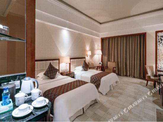 佛山高明碧桂園鳳凰酒店(Gaoming Country Garden Phoenix Hotel)山湖景緻陽台客房