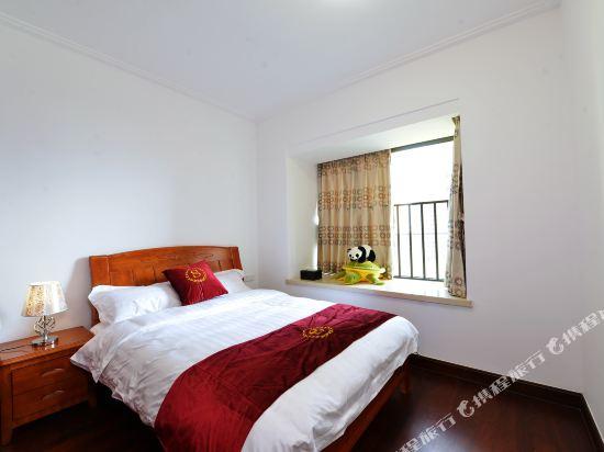 泰萊尚寓度假公寓(珠海海洋王國口岸店)(Tailai Shangyu Holiday Apartment (Zhuhai Ocean Kingdom Port))豪華大床二房二廳套房