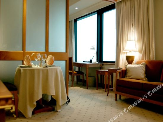 香港華大盛品酒店(BEST WESTERN PLUS Hotel Hong Kong)豪華套房