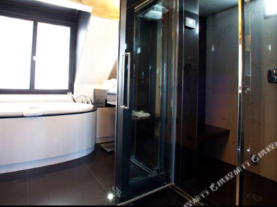 巴黎香榭麗舍安珀酒店(Maison Albar Hôtel Paris Champs Elysées)皇家套房-帶沙發床