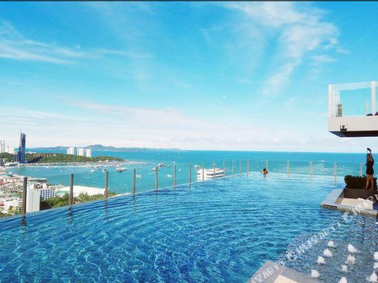 泰多假期基地公寓(Many Holiday the Base Condo)室外游泳池
