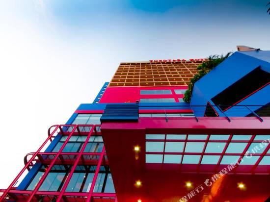 彤塔拉江景酒店