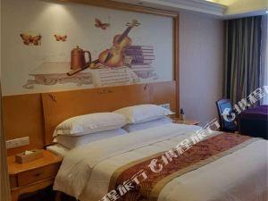 荊州維也納3好酒店(朱河鎮店)