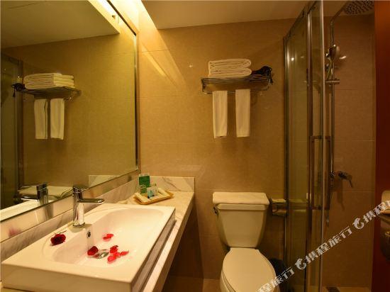 昆明龍騰大酒店(Kunming Long Teng Hotel)家庭房