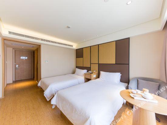 全季酒店(上海虹橋中山西路店)豪華雙床房