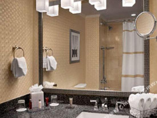 紐約市中心萬豪酒店(New York Marriott Downtown)哈得遜河景一卧行政套房(帶沙發床)