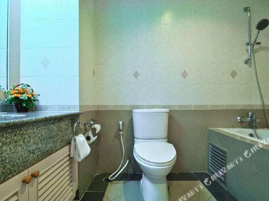 曼谷海軍上將套房酒店(Admiral Suites Bangkok)豪華陽台房