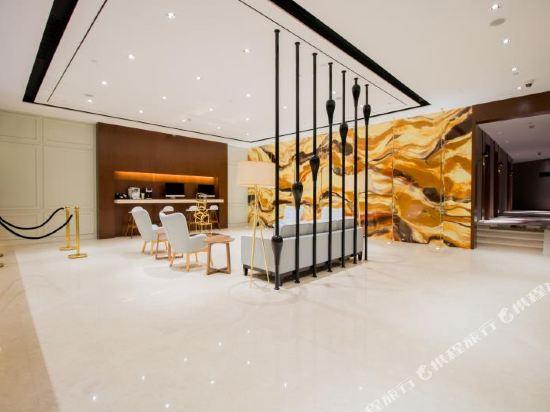 和頤至尊酒店(上海南京西路地鐵站店)(Yitel Premium (Shanghai Jing'an Nanjing West Road))公共區域
