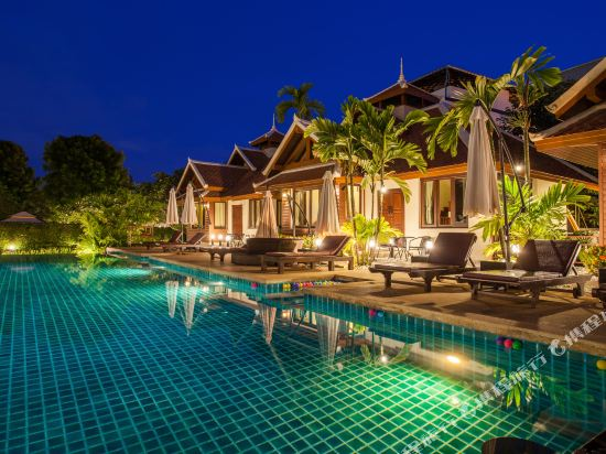 阿查維拉度假別墅(Achawalai Residence Village)室外游泳池