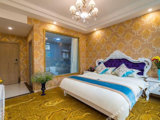 昆明雲鼎大酒店(原中航大酒店)(Yunding Hotel)夢景大床房