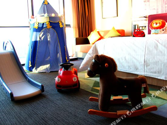 中山南朗希爾頓歡朋酒店(Hampton by Hilton Zhongshan Nanlang)歡朋親子房