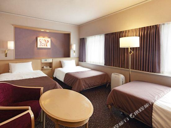 大阪新阪急酒店(Hotel New Hankyu Osaka)行政三人房