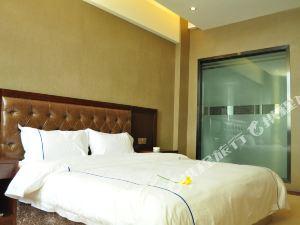 理塘凱曼酒店