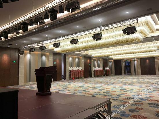 上海浦東主題樂園萬信酒店(Wassim Hotel (Shanghai Pudong Theme Park))會議室