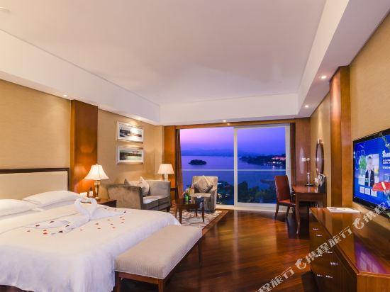千島湖綠城度假酒店(1000 Island Lake Greentown Resort Hotel)湖景豪華大床房