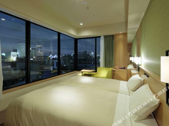 大阪難波光芒酒店(Candeo Hotels Osaka Namba)城景轉角超大雙床房