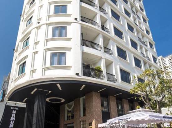 那姆那姆公寓式酒店