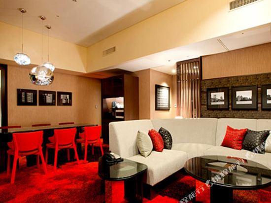 東京汐留皇家花園酒店(The Royal Park Hotel Tokyo Shiodome)精緻特大床套房(高級樓層)