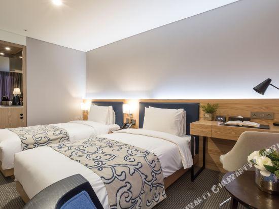 森圖姆尚品酒店(Centum Premier Hotel)豪華雙床房