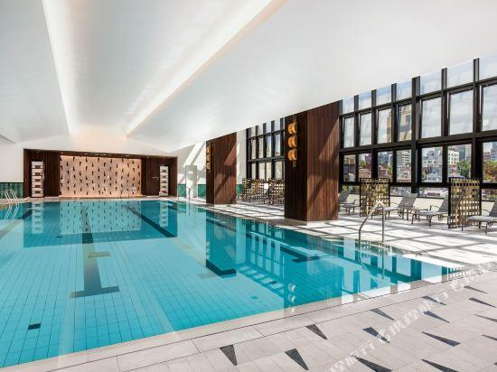 首爾艾美酒店(原,首爾麗思卡爾頓酒店)(Le Meridien Seoul)室內游泳池