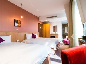 高雄旗津道沙灘酒店(In Young Hotel)