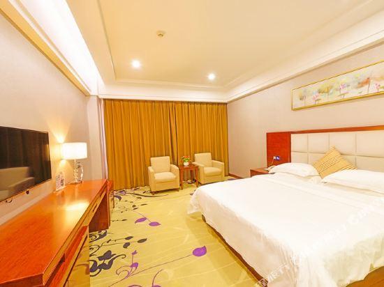 百合酒店(佛山樂從天佑城店)(原畔灣店)(Bai He Hotel (Foshan Lecong Tianyoucheng))行政大床房
