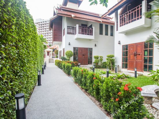 阿查維拉度假別墅(Achawalai Residence Village)院子