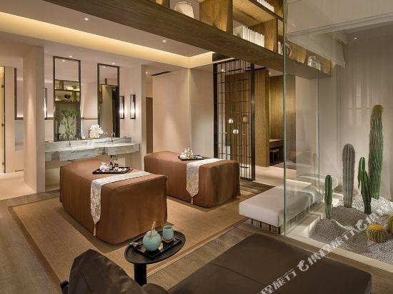 佛山羅浮宮索菲特酒店(Sofitel Foshan)至尊套房法式風格