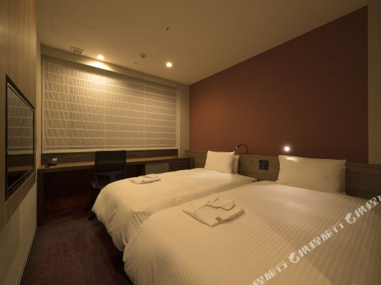 The b 福岡天神酒店(The b Fukuoka Tenjin)高級雙床房